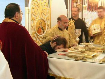 350px-Deacon_ordination